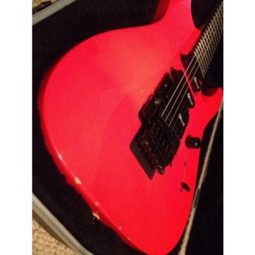 Charvette by Charvel! W/ Locking trem & Charvel Case! Plays and sounds great!!