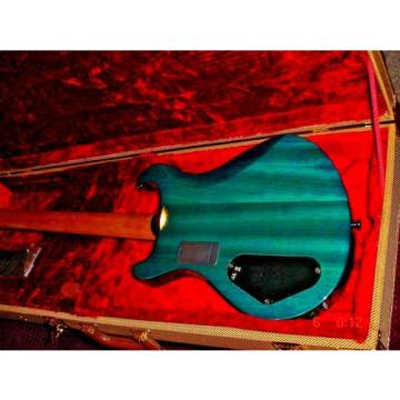 CHARVEL ELECTRIC GUITAR --MINT--WITH HARD CASE---BEAUTIFUL
