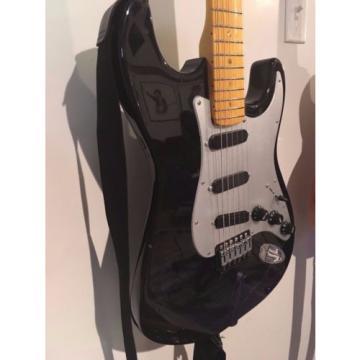Partscaster Stratocaster Black/Sliver W/Charvel Pickups