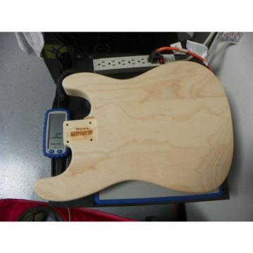Lic.Swamp Ash Stratocaster Body Allparts