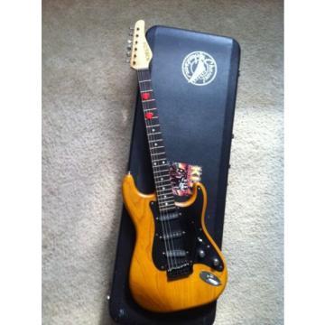 "1995 Schecter USA California Custom Shop ""Made in USA"" W / HARD CASE"
