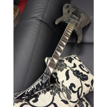 JACKSON JS-32 Q TBK Dinky Arch Top E-Gitarre