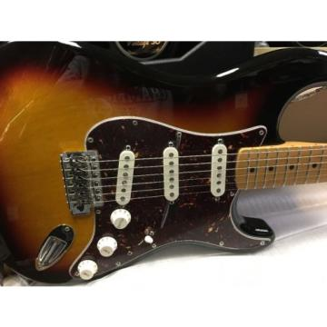 Fender Deluxe Player Stratocaster 3 Tone Sunburst