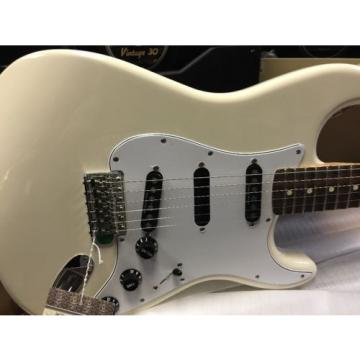 2014 NOS Fender Ritchie Blackmore Stratocaster W/GIG BAG Olympic White