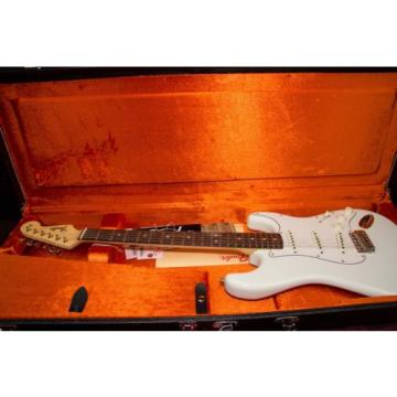 Fender American Vintage '65 Stratocaster Electric Guitar Olympic White 030205