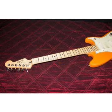 Fender Duo-Sonic - Capri Orange with Maple Fingerboard