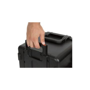 SKB Cases Black  3i-2015-10B-D With Padded Dividers Comes with 1 TSA Lock.